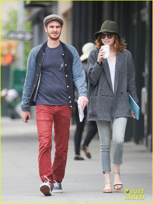 emma-stone-andrew-garfield-are-cute-couple-in-big-apple-02 (525x700, 81Kb)