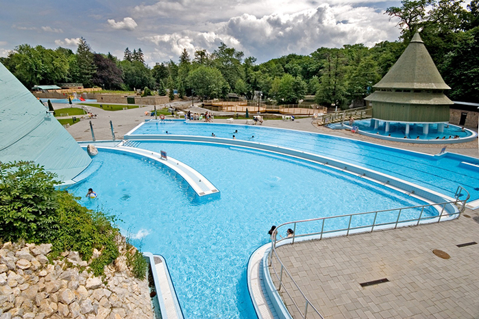 курорт Мишкольц-Тапольца венгрия 4 (700x466, 506Kb)