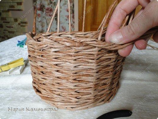 Красивая загибка для плетенок из газетных трубочек. Мастер-класс (19) (520x390, 179Kb)
