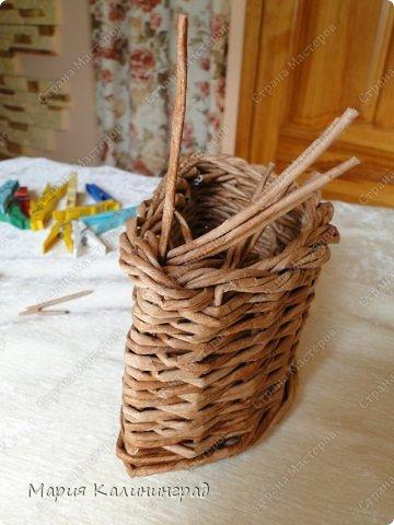 Красивая загибка для плетенок из газетных трубочек. Мастер-класс (28) (360x480, 149Kb)