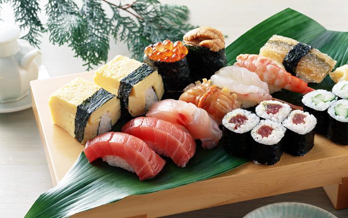 1401294525_sushi_i_rolluy (700x438, 131Kb)