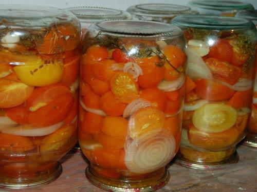 pomidornye-dolki-salat-v-bankakh (500x375, 28Kb)