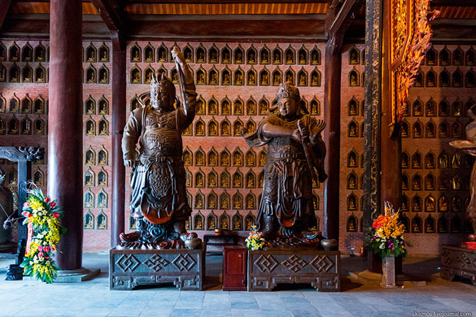 храмовый комплекс Bai Dinh 12 (670x447, 405Kb)