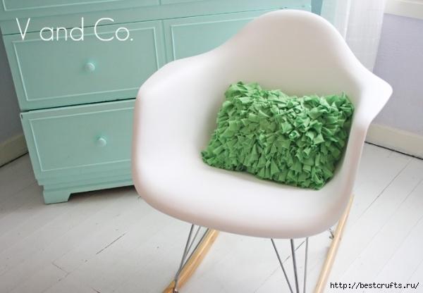 Дизайнерская подушка своими руками (1) (600x416, 134Kb)