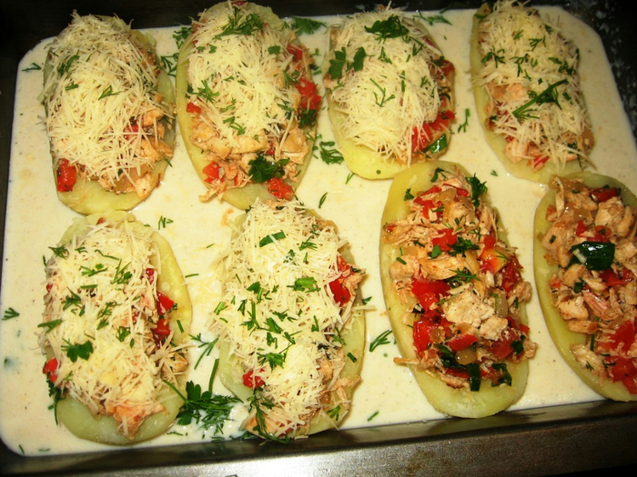 Картофель запеченный в духовке с начинкой рецепт с пошагово