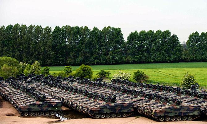 кладбище бронетехники германия 1 (670x402, 339Kb)