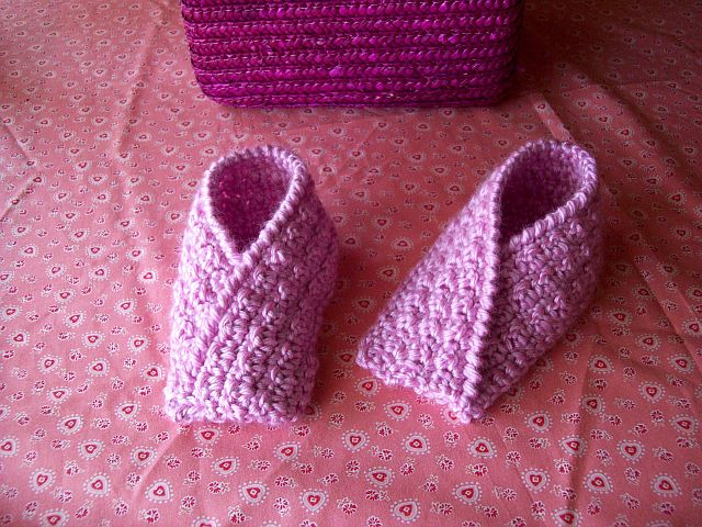 1414585024_CrochetToddlerSlippersDIY (640x480, 109Kb)