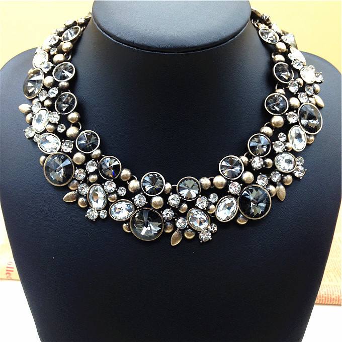 2014-New-Arrival-Fashion-Chunky-Collar-choker-statement-font-b-necklace-b-font-Luxury-Crystal-font (680x680, 184Kb)