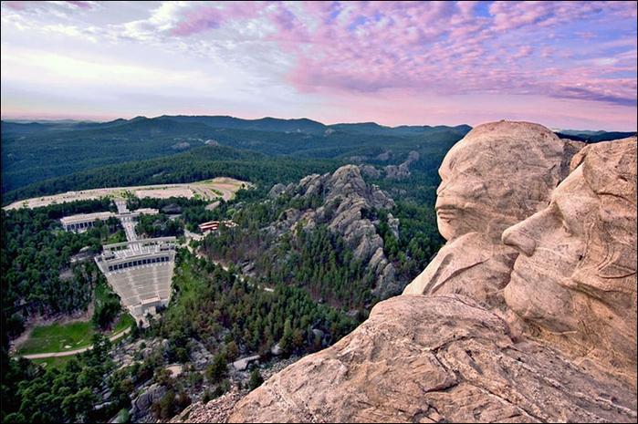 10 mount_rushmore_national_memorial (700x465, 434Kb)