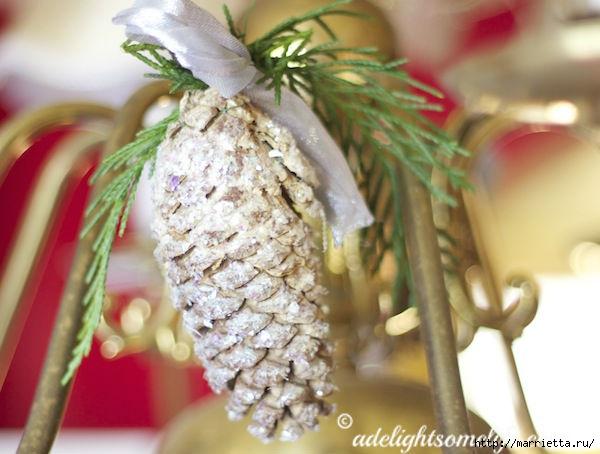 sparkling-glitter-pinecone-chandelier (600x454, 142Kb)