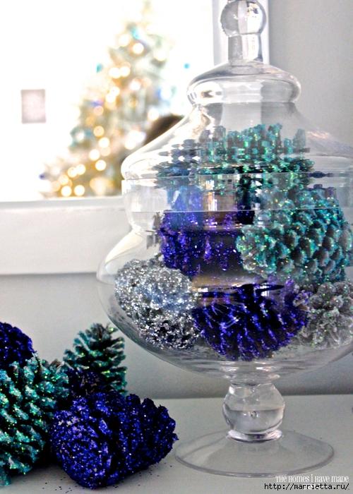Шишки в блестках для новогоднего декора в интерьере (1) (500x700, 306Kb)