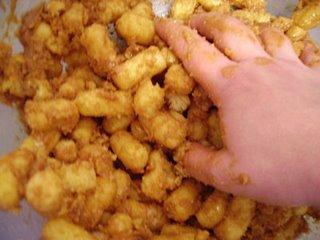 Рецепты. Пирожное из кукурузных палочек./5177462_kukur_pal_4 (320x240, 17Kb)