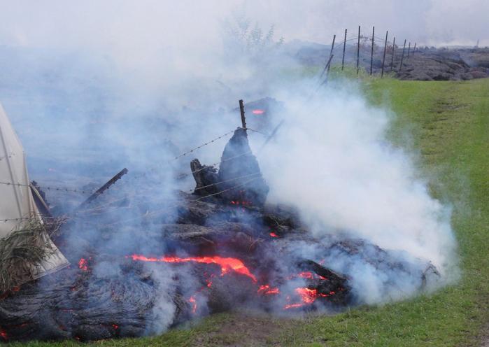 извержение вулкана килауэа гаваи 11 (700x496, 339Kb)