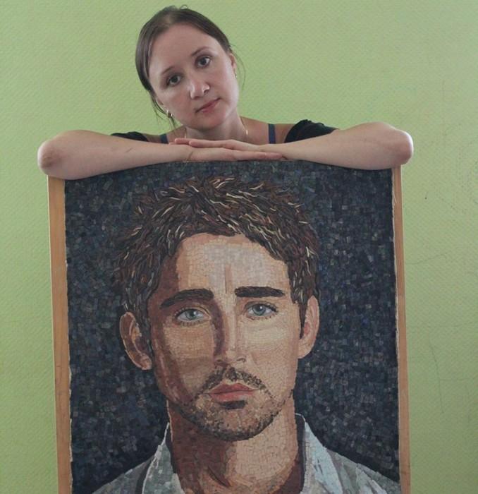 Ли Пейс портрет из мозаики/5749214_2717_900 (678x700, 103Kb)