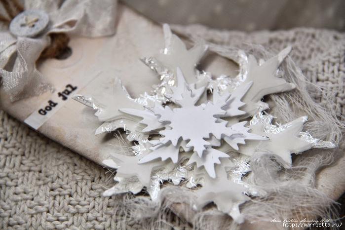 Новогодние теги со снежинками (12) (700x466, 236Kb)