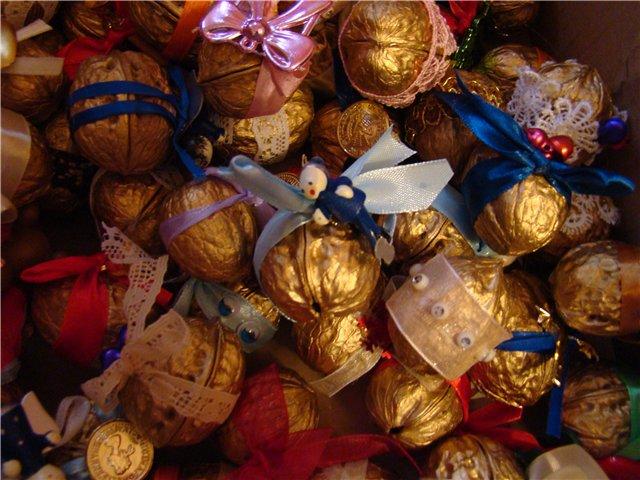 Новогодние орешки с пожеланиями/1783336_12d557ce71ef (640x480, 78Kb)