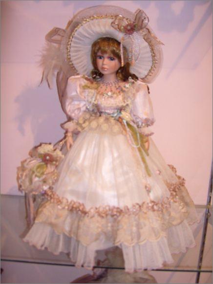 фото Кукла фарфор 16 \ Зарина (Куклы фарфоровые) .