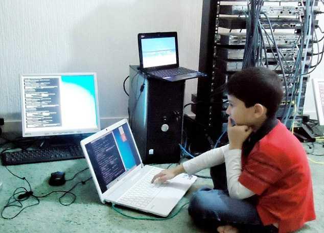 компьютерный гений Аян Куреши 2 (634x456, 201Kb)