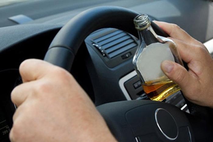 пьяный водитель (700x466, 226Kb)