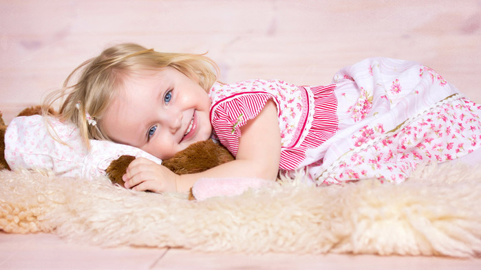children-wallpaper-www.1366x768.ru (700x393, 92Kb)