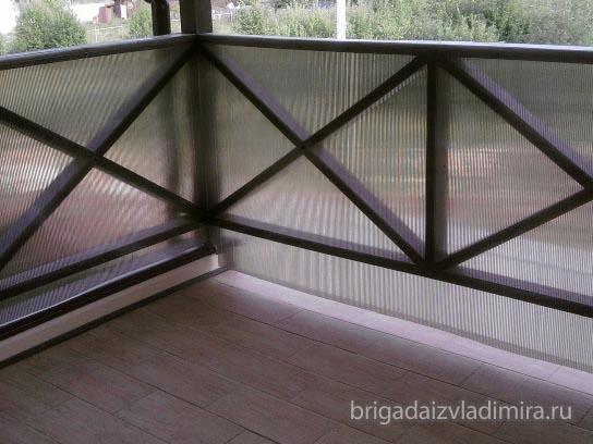 Отделка потолка на балконе.монтаж окон из поликарбоната.. об.