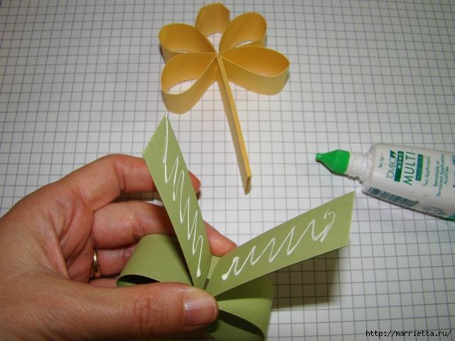 Конфетные цветочки. Мастер-класс (25) (640x480, 226Kb)