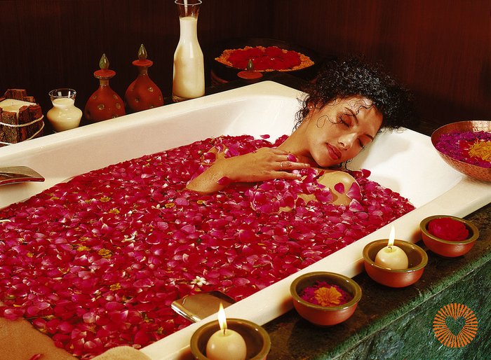 Ananda-rose-petal-bath (700x514, 542Kb)