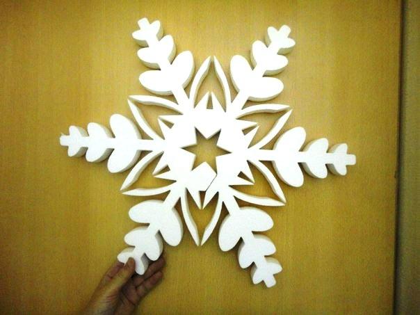 Снежинка из потолочной плитки своими руками фото