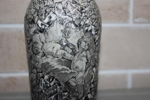 Имитация камня и монохром на бутылке (3) (519x346, 161Kb)