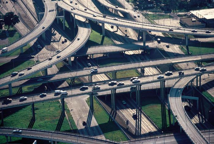 freeway_interchange2 (700x469, 82Kb)