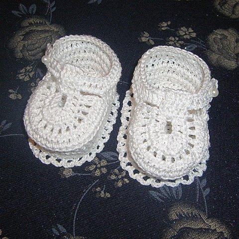 Вяжем крючком туфельки для малыша