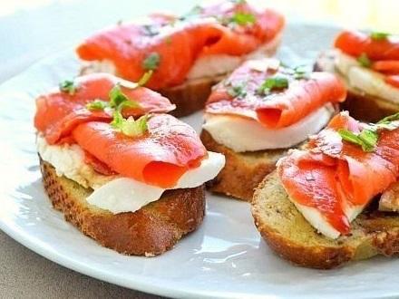 бутерброд с сыром и лососем (440x330, 60Kb)