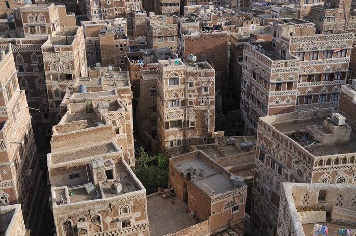 5539495-The_most_beautiful_city_I-ve_seen_-_Sana-a-_Yemen-0 (700x464, 392Kb)