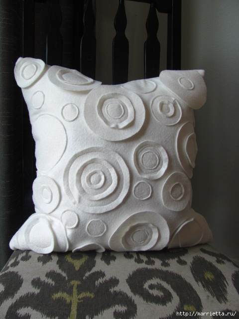 Декоративные подушки из фетра и войлока (8) (480x640, 161Kb)