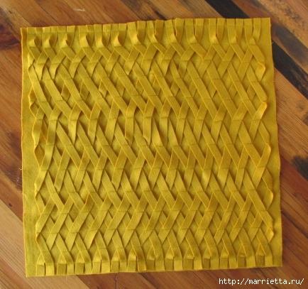 Декоративные подушки из фетра и войлока (18) (434x407, 160Kb)