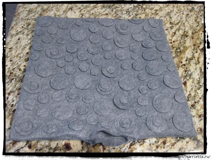 Декоративные подушки из фетра и войлока (32) (700x528, 346Kb)