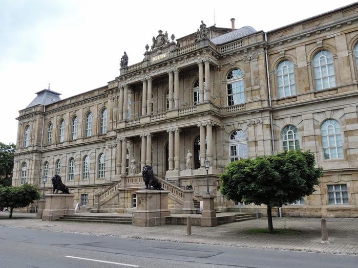 Herzogliche Museum Gotha (700x524, 137Kb)