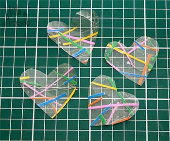 Сердечки из скотча для праздничной упаковки подарков (11) (350x291, 126Kb)