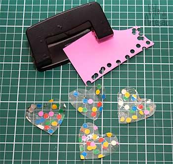 Сердечки из скотча для праздничной упаковки подарков (13) (350x332, 123Kb)