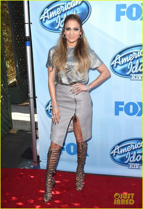 jennifer-lopez-high-slit-skirt-america-idol-xiv-event-01 (478x700, 107Kb)