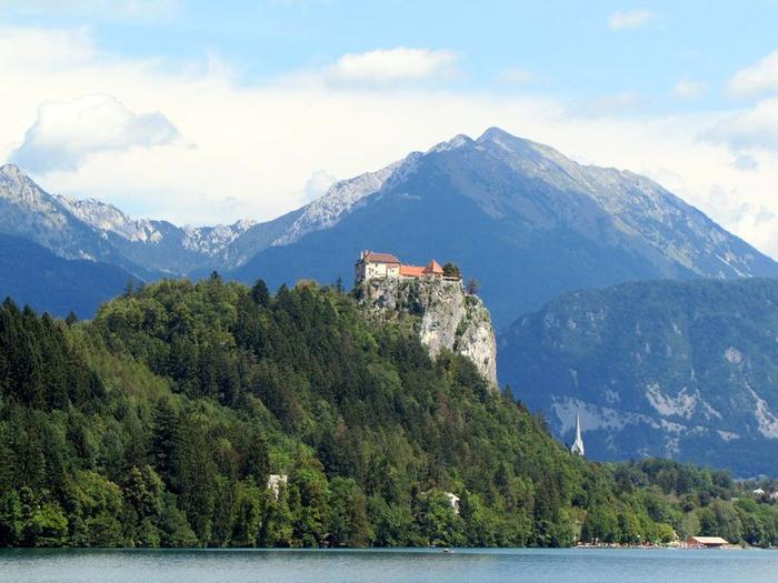 Остров Блед в Словении15 (700x525, 356Kb)