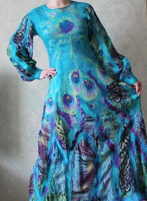 валяние платье павлиньи перья (514x700, 191Kb)