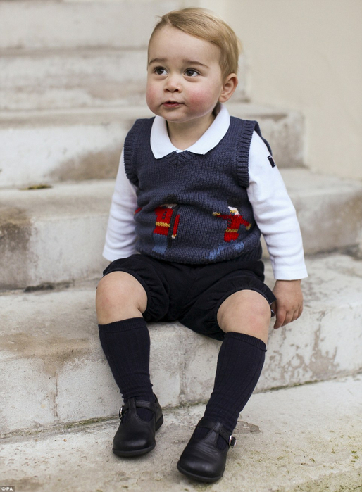 2407BDD800000578-0-Prince_George_dressed_in_an_adorable_jumper_in_a_picture_that_wa-a-31_1418499317923 (514x700, 328Kb)