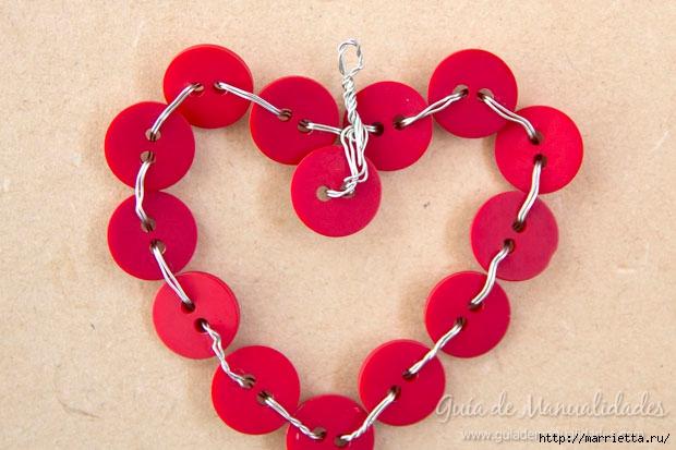 Пуговичное сердечко для новогодней елочки (6) (620x413, 160Kb)