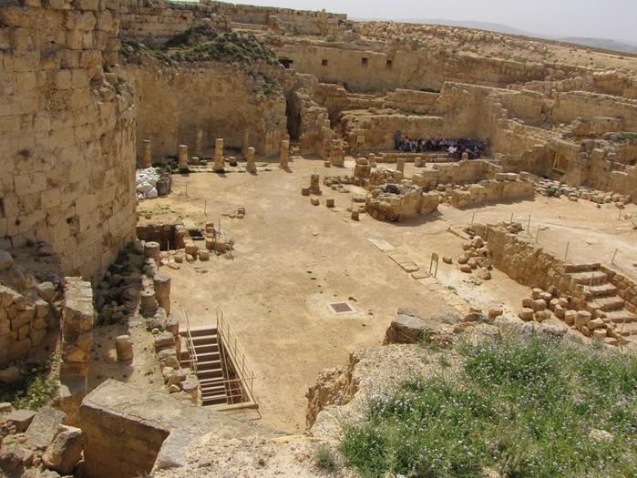 Иродион дворец царя Ирода Израиль 7 (700x525, 448Kb)