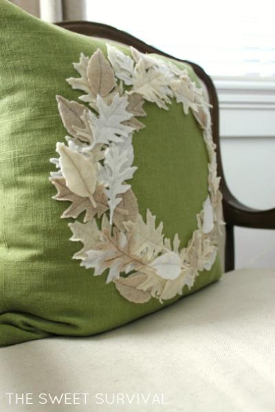 Зимнее оформление подушки листьями из фетра (4) (400x600, 195Kb)