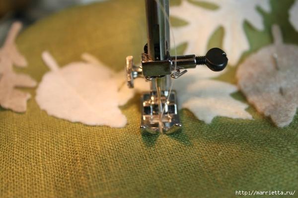 Зимнее оформление подушки листьями из фетра (8) (600x400, 161Kb)