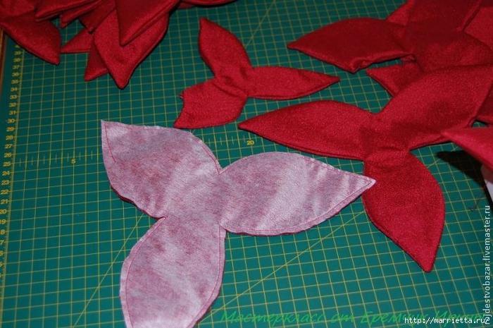 Рождественская пуансеттия из ткани (1) (700x465, 272Kb)