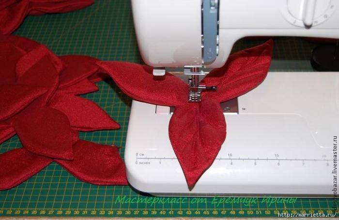 Рождественская пуансеттия из ткани (5) (700x455, 191Kb)