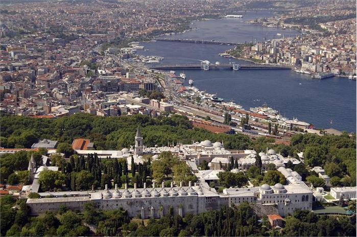 Turkey_Istanbul_Topkapi_Palace_e7c4e6f90c874a228ee35cf60398f270 (700x464, 89Kb)